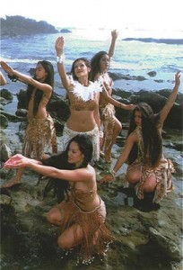 hawaian girls resized
