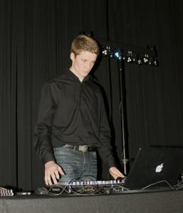 James DJ 2-16rs