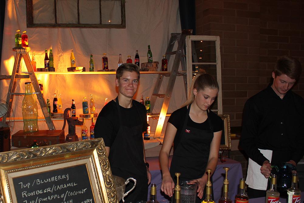 Vintage Soda Bar Staffed rs